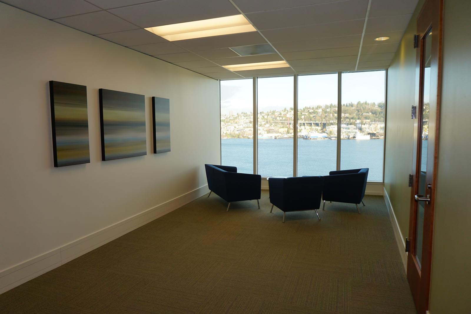 Lake Union Bldg Lobby and waterfront view