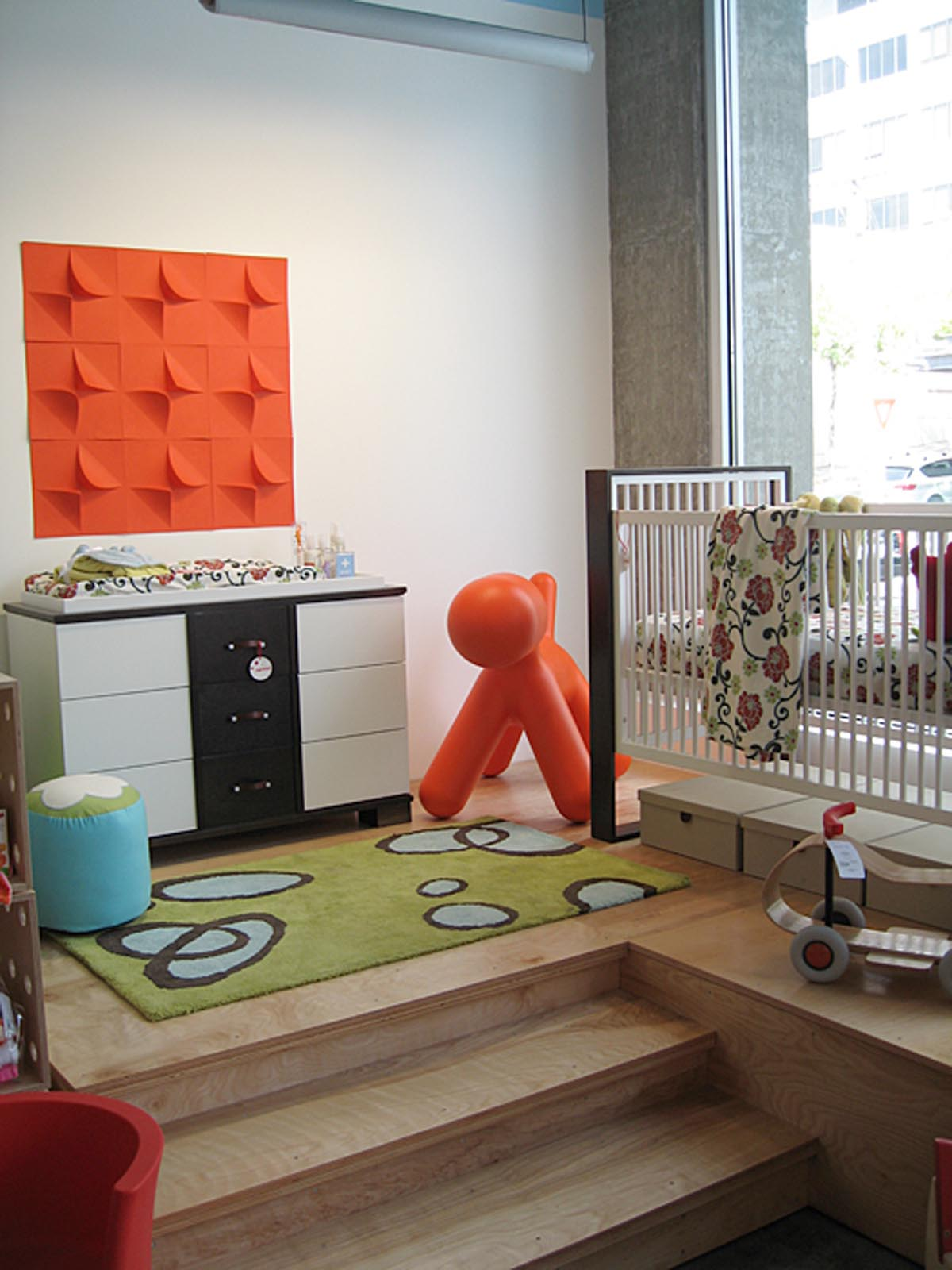 Tottini baby's room and crib